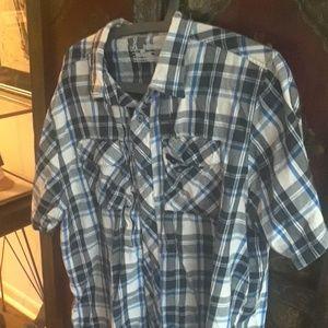 Under armour short sleeve shirt XL